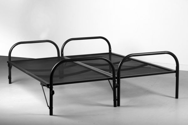 Model Double Bed